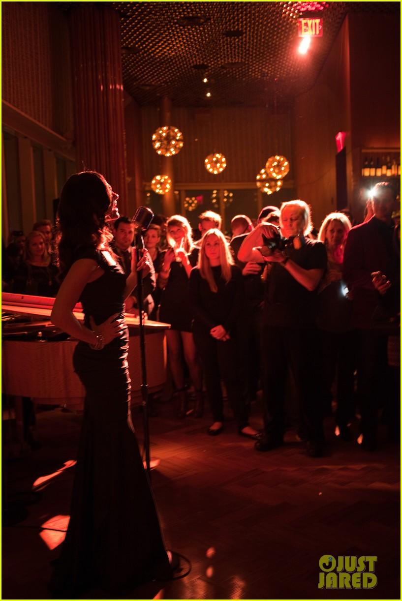 emmy rossum manhattan magazine cover party performance 032793617