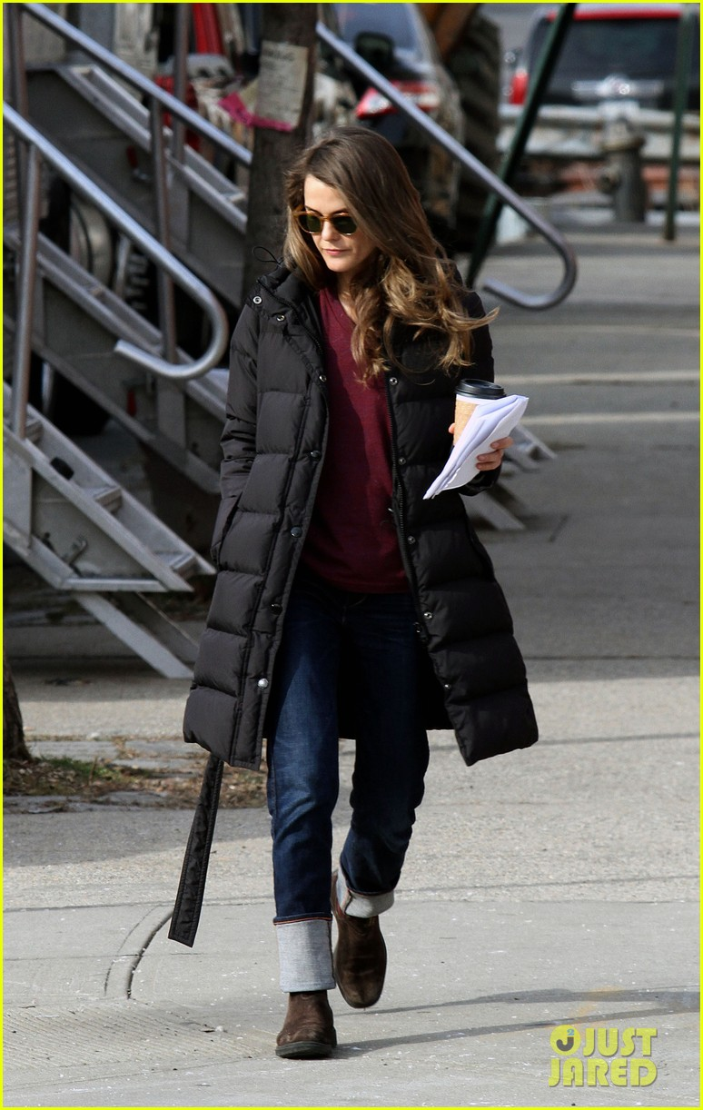keri russell the americans pilot stills released 032784556
