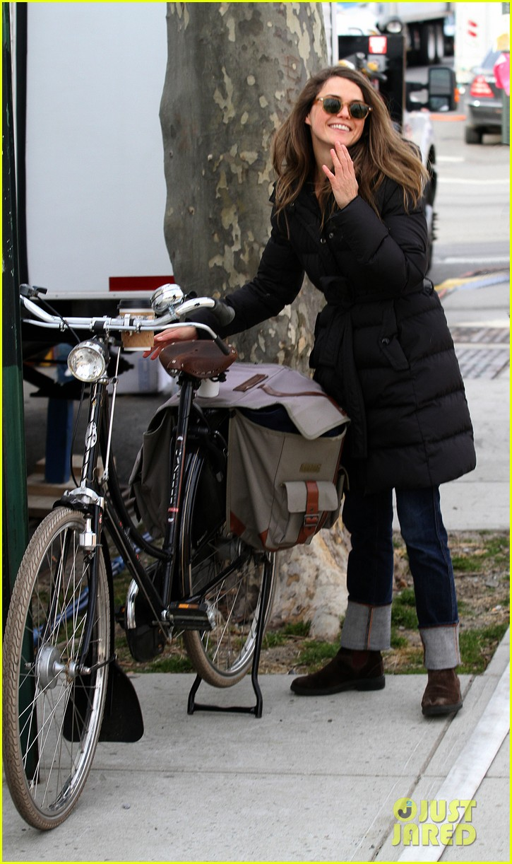 keri russell the americans pilot stills released 112784564