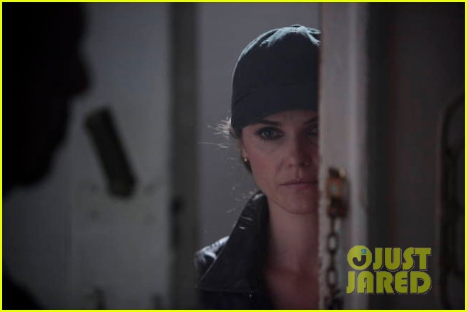 keri russell the americans pilot stills released 25