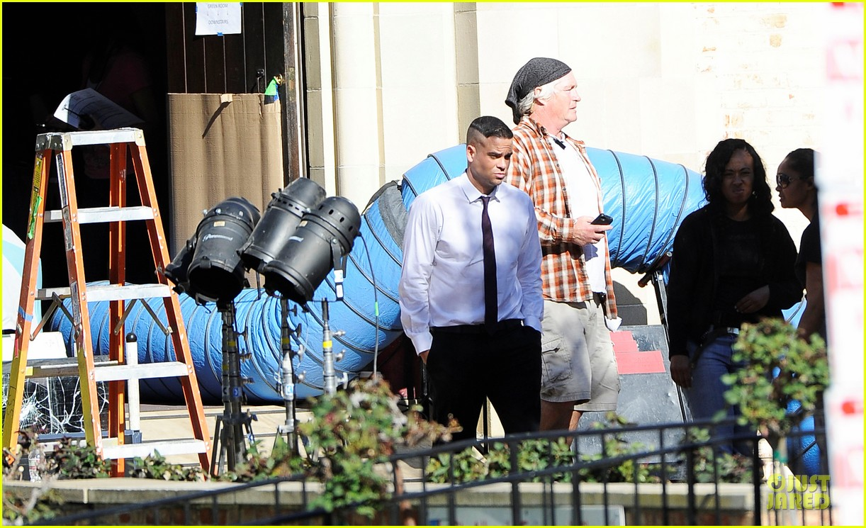 mark salling films glee amid sexual battery allegations 012794618
