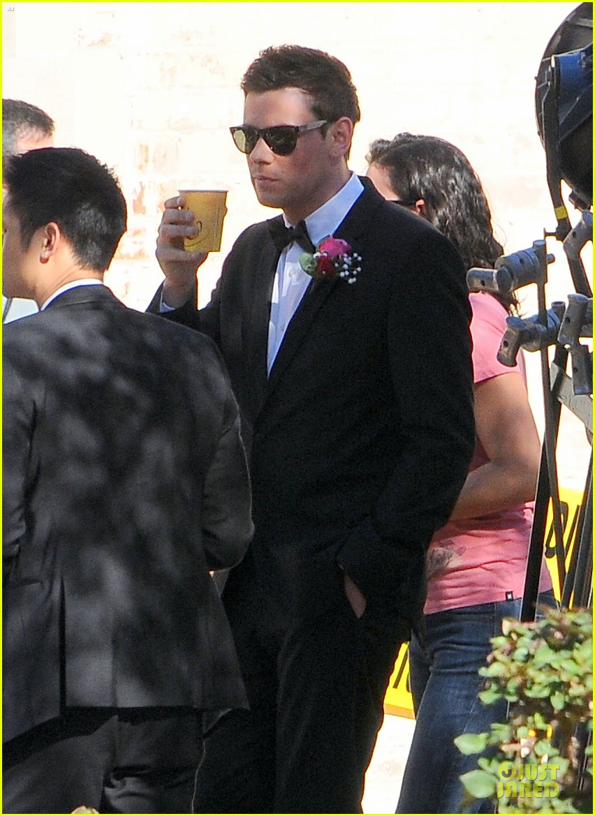 mark salling films glee amid sexual battery allegations 082794625