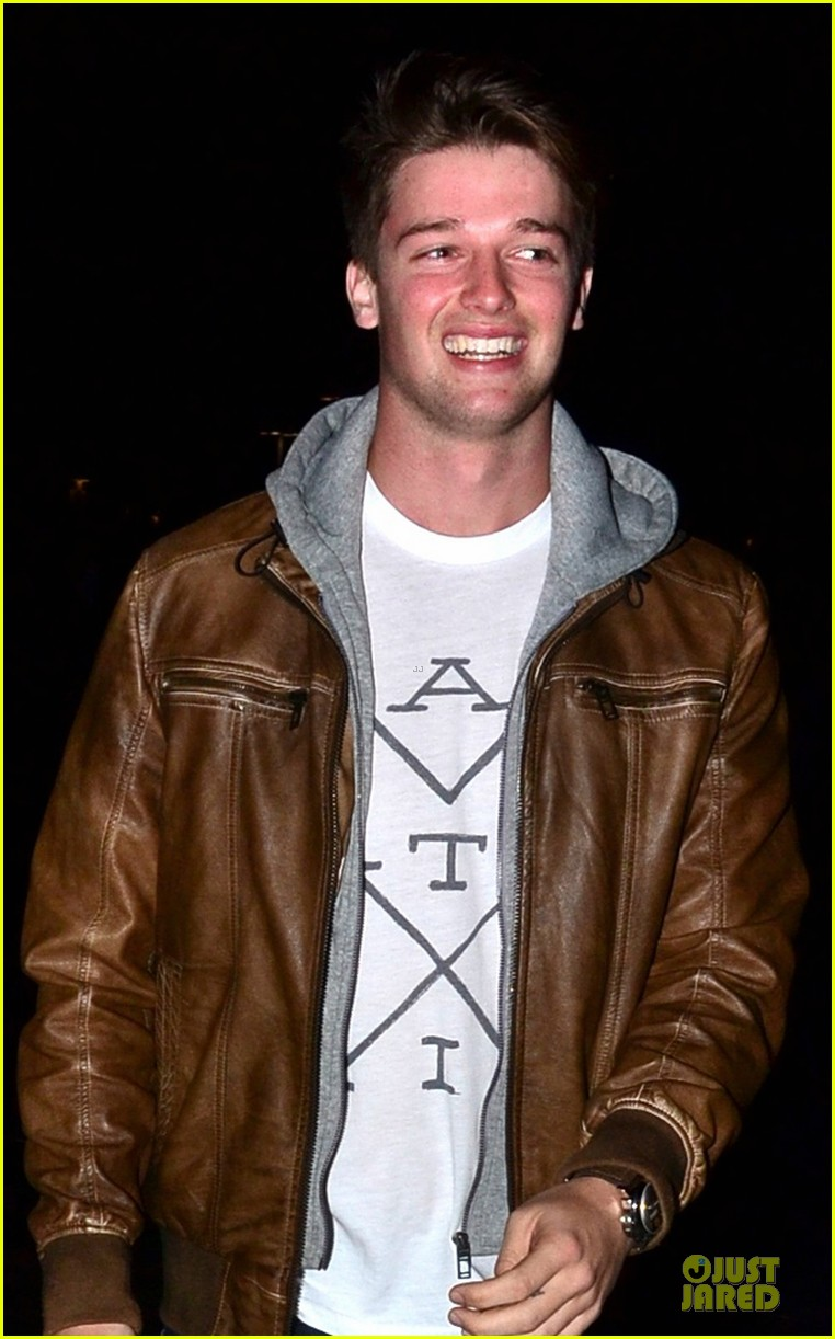 patrick schwarzenegger los angeles clippers game 022789530