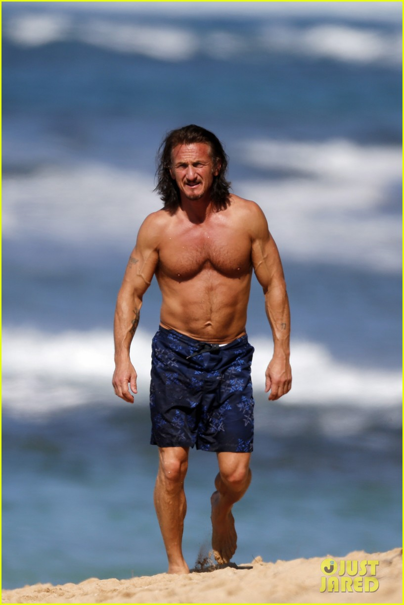 sean penn shirtless buff beach body 052783887