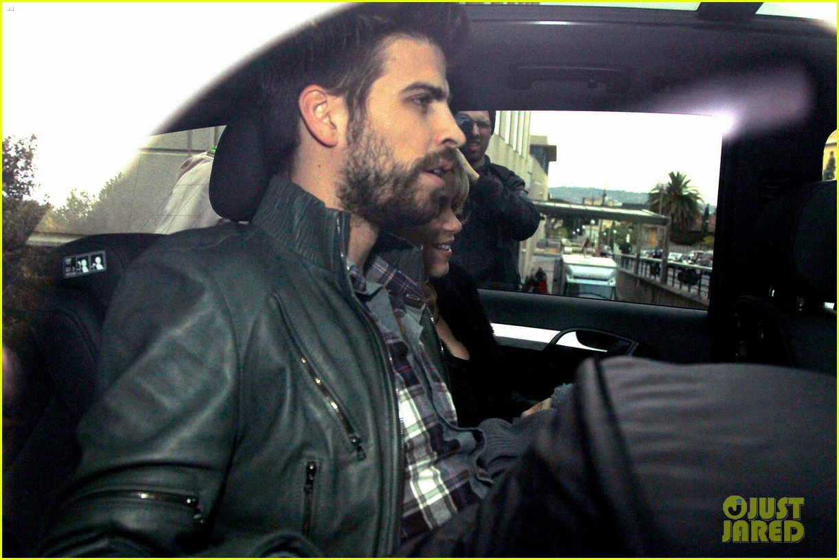 shakira gerard pique leave hospital with baby milan 01