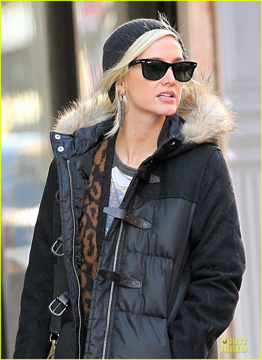 ashlee simpson soho stroll with a gal pal 062784866