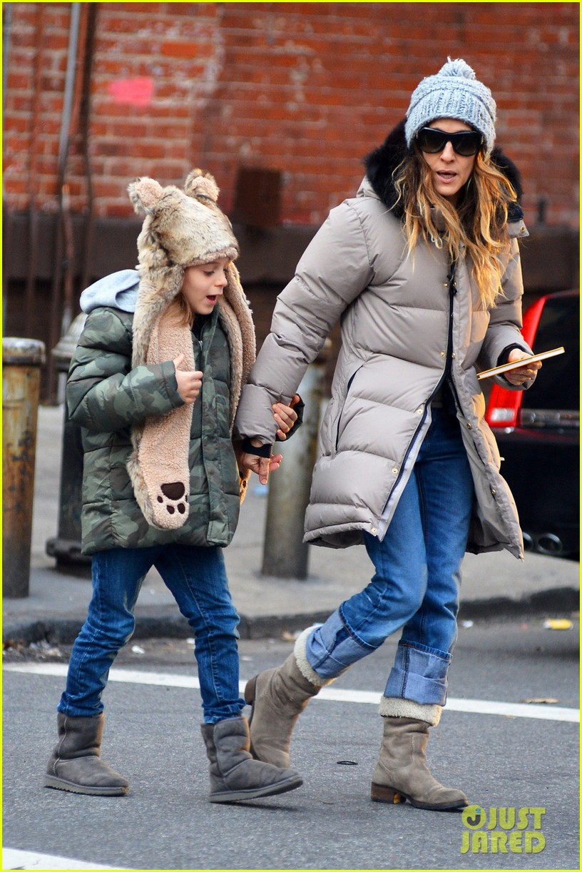 sarah jessica parker james wears bear hat 012784409