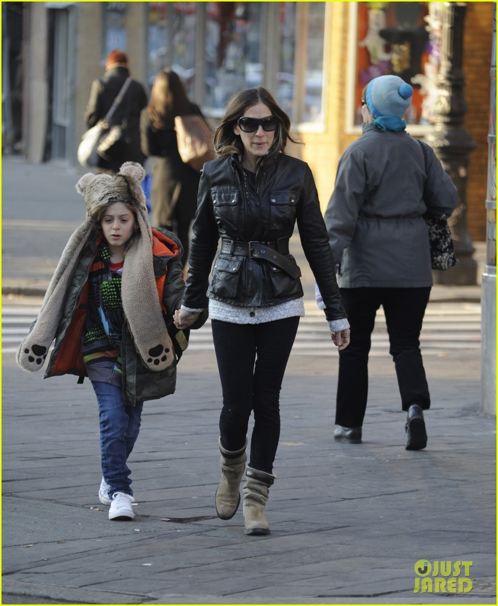 sarah jessica parker twins matching leather jackets 022786789