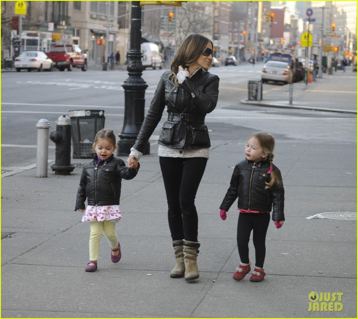 sarah jessica parker twins matching leather jackets 072786794