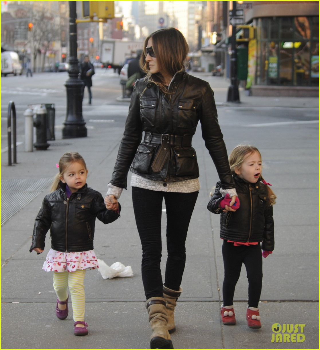 sarah jessica parker twins matching leather jackets 082786795