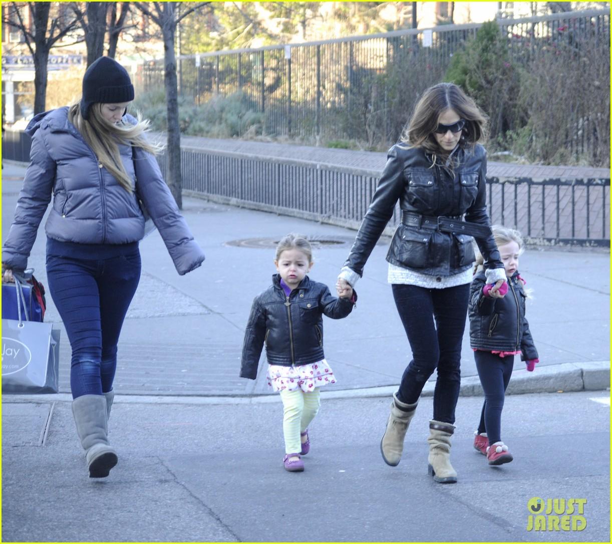 sarah jessica parker twins matching leather jackets 092786796
