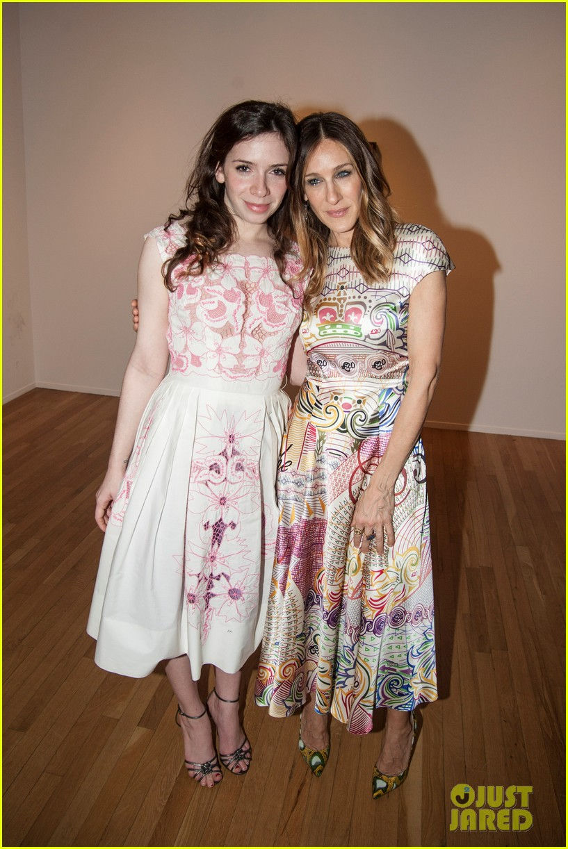 sarah jessica parker celebrates patricia brodericks paintings 102796737