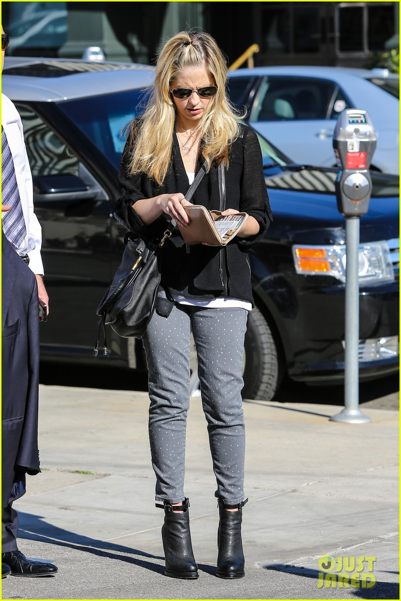 sarah michelle gellar tavern thursday lunch 142794279