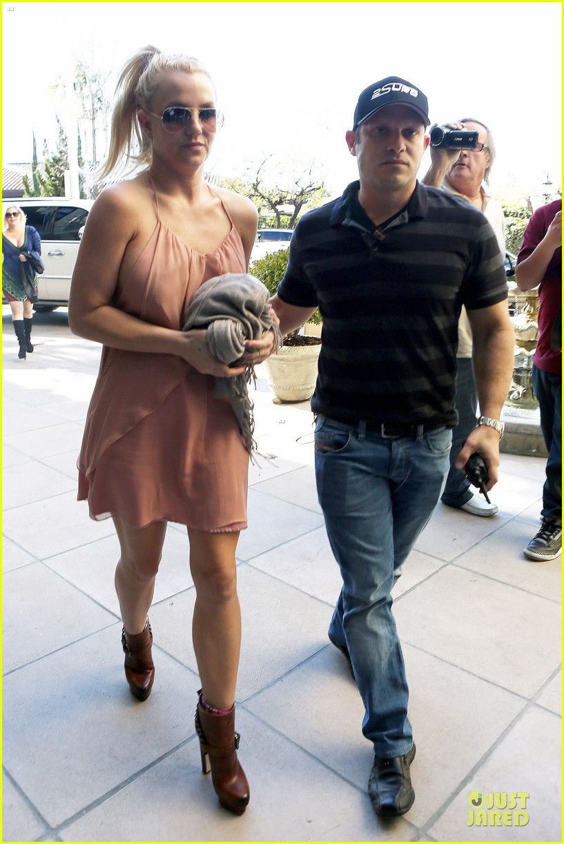 britney spears escorted lunch in los angeles hotel 122794849