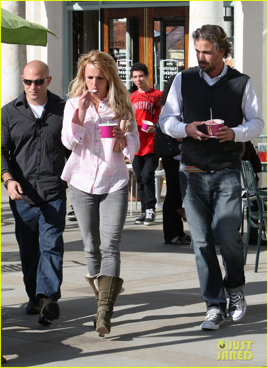 britney spears jason trawick split relationship in photos 132789471