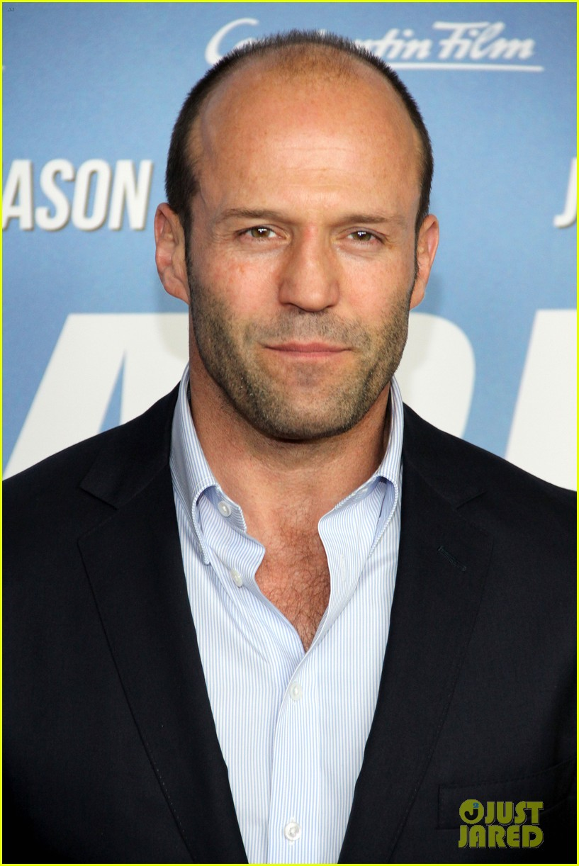 jason statham parker berlin moscow premieres 02