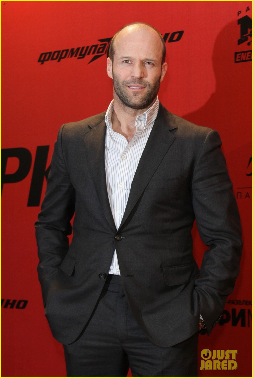jason statham parker berlin moscow premieres 04