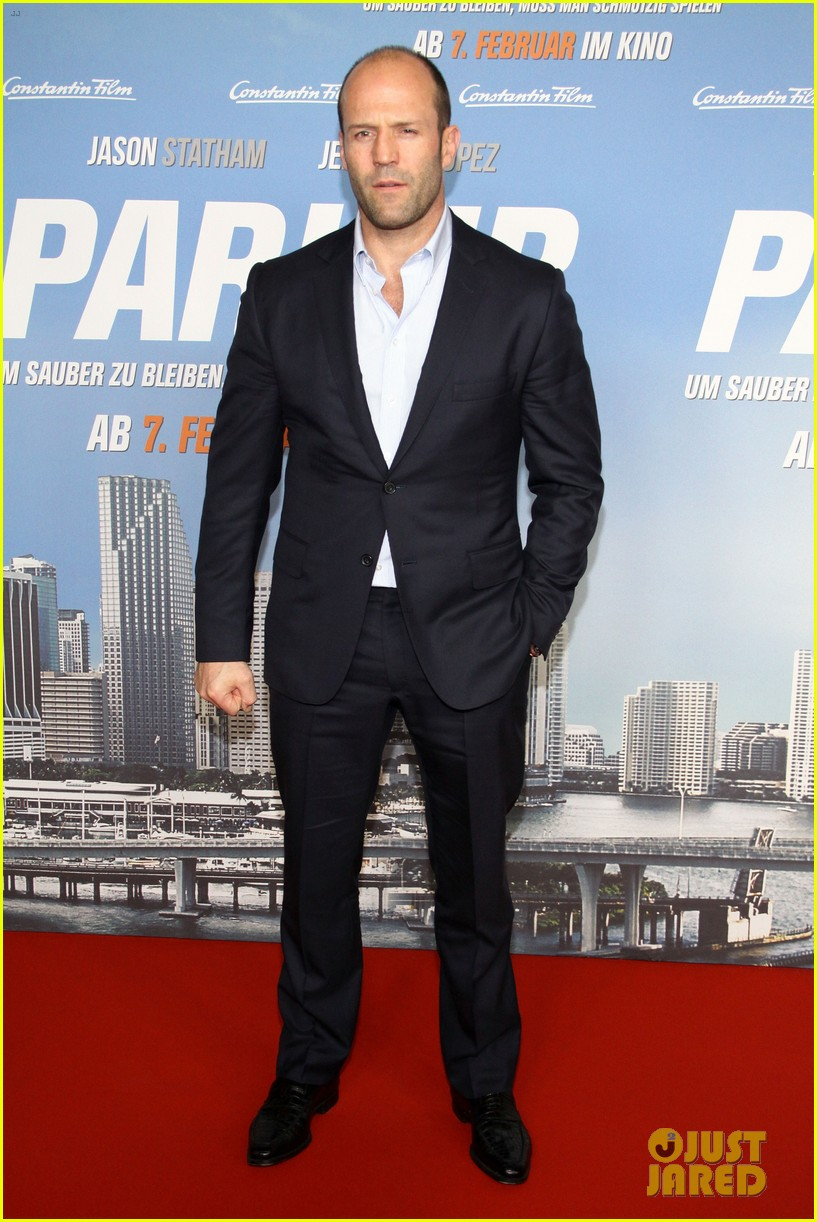 jason statham parker berlin moscow premieres 112801609
