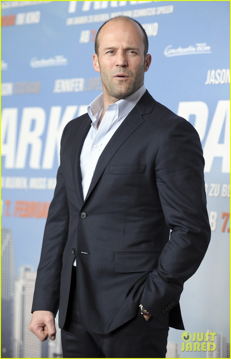 jason statham parker berlin moscow premieres 172801615