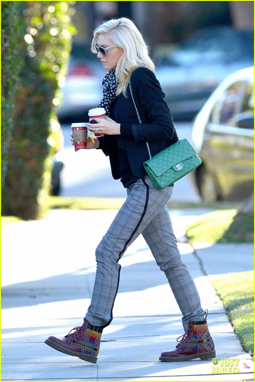 gwen stefani & gavin rossdale winter coffee couple 232786342