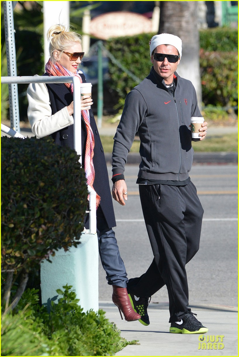 gwen stefani gavin rossdale monday coffee stop 17