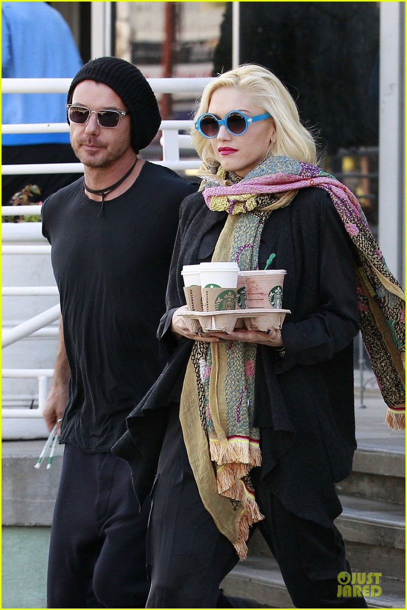 gwen stefani gavin rossdale saturday starbucks stop 02