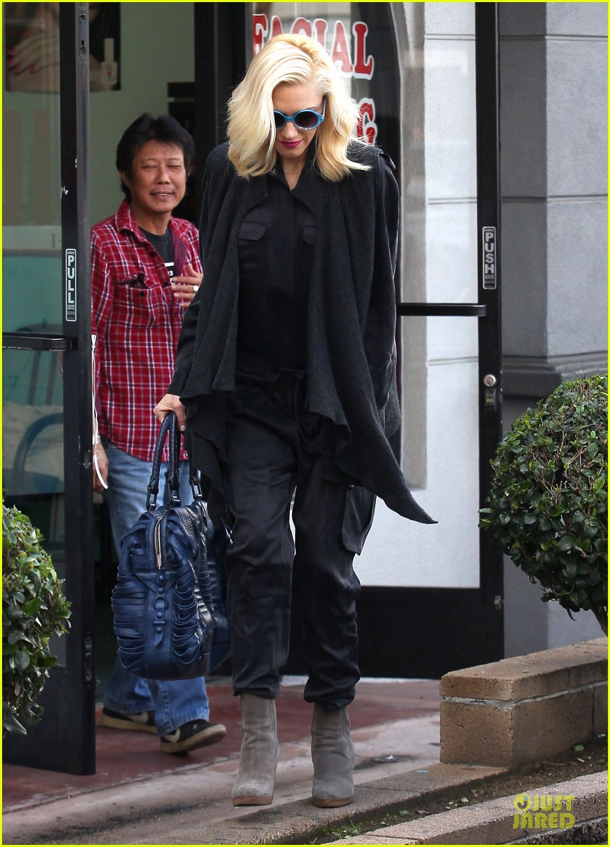 gwen stefani gavin rossdale saturday starbucks stop 12