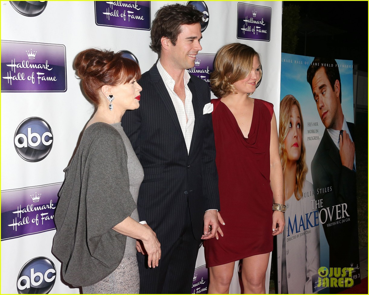 julia stiles david walton the makeover premiere 102797206