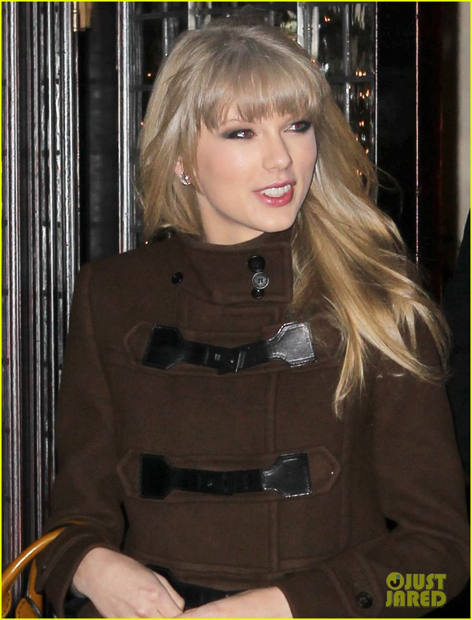 taylor swift new years eve dinner with brother austin 03