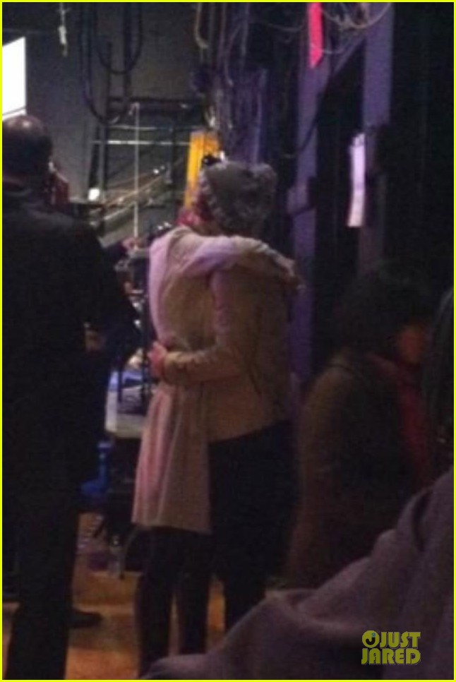 taylor swift harry styles kiss at midnight on new years eve pics 022783190
