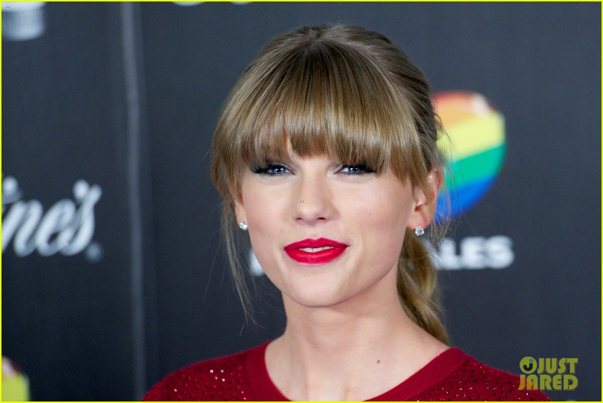 taylor swift 40 principales performance watch now 12