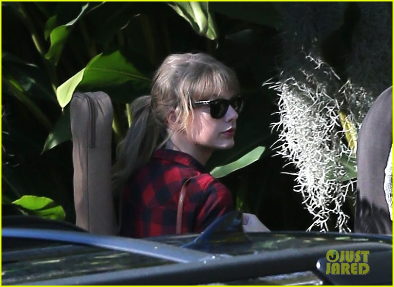 taylor swift back in the studio 062789538