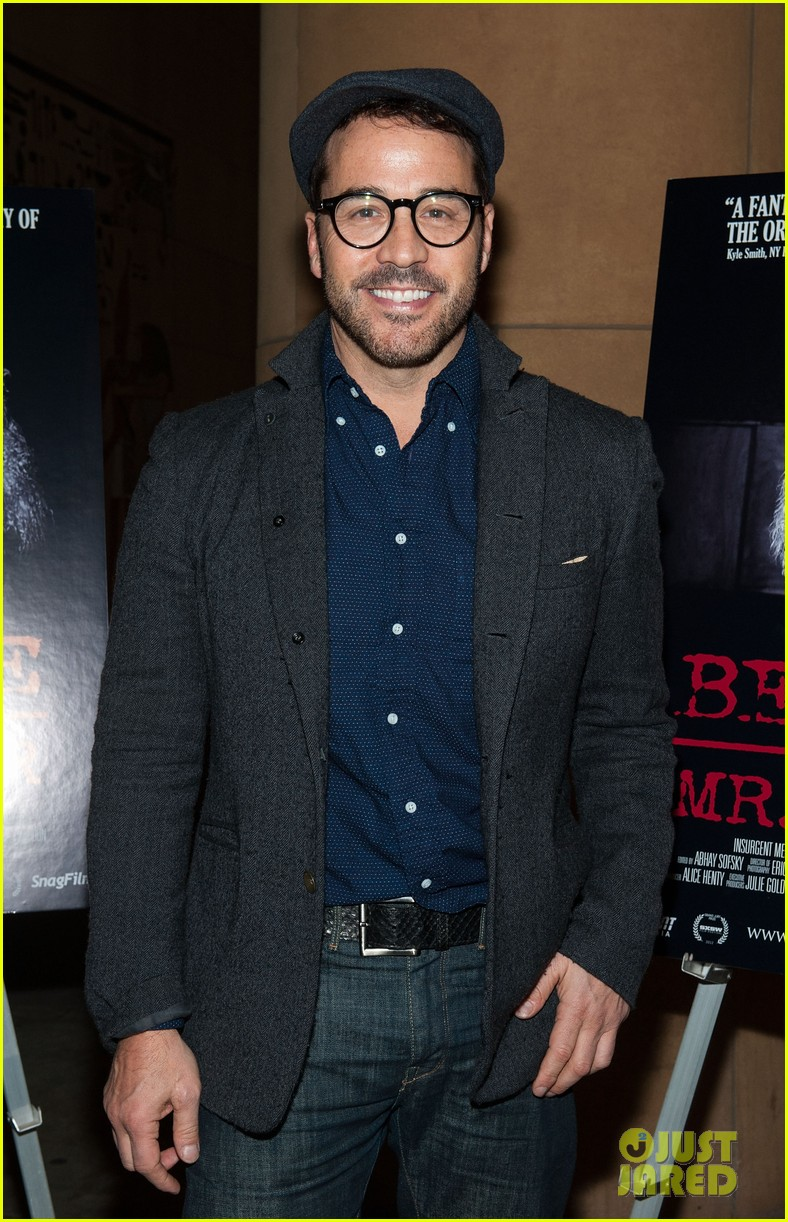 jessica szohr jeremy piven beware of mr baker screening 112797800