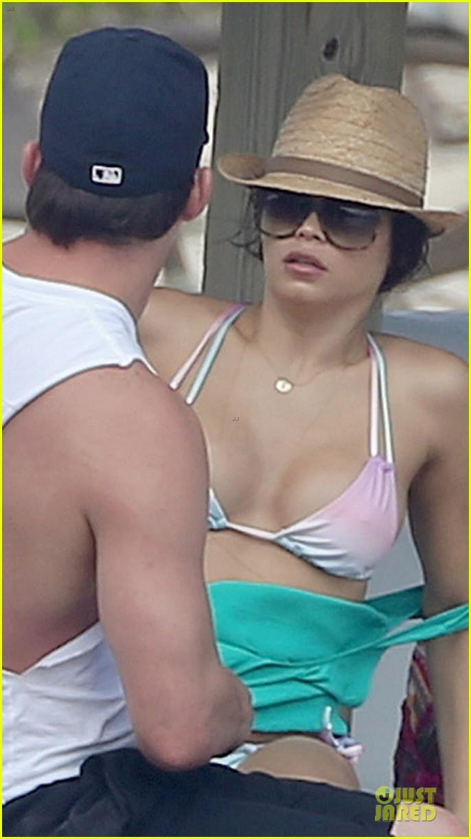 channing tatum & pregnant jenna dewan bikini lounging in cabo 042784140
