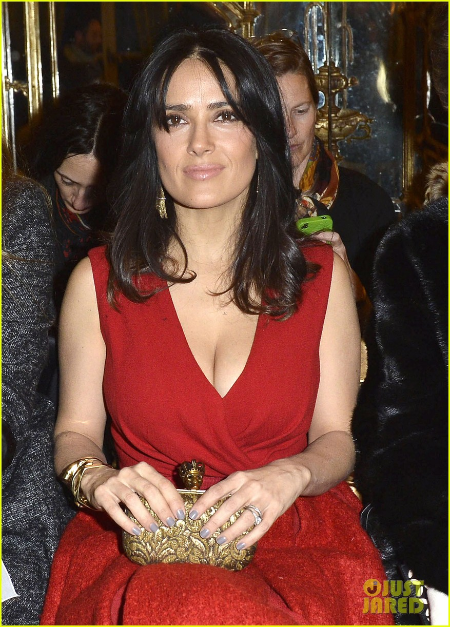 salma hayek dita von teese paris fashion week ladies 092796542