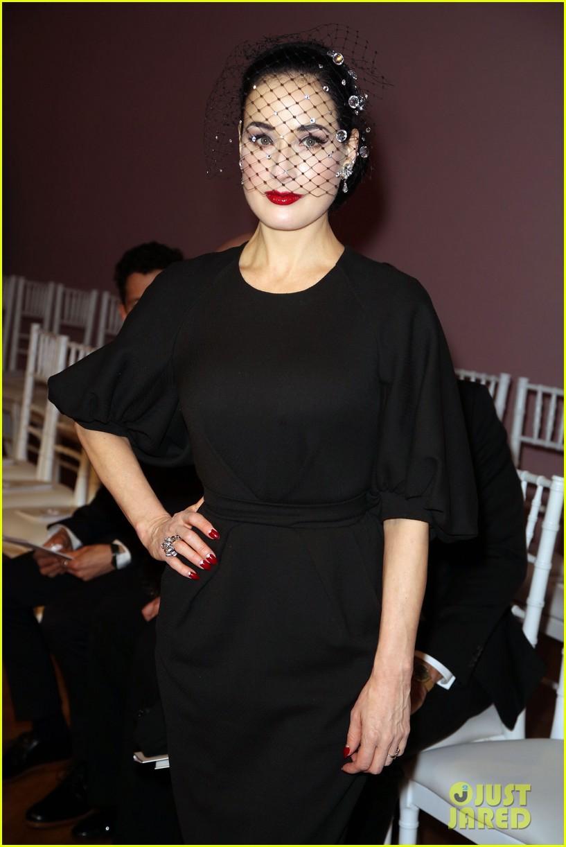 salma hayek dita von teese paris fashion week ladies 142796547