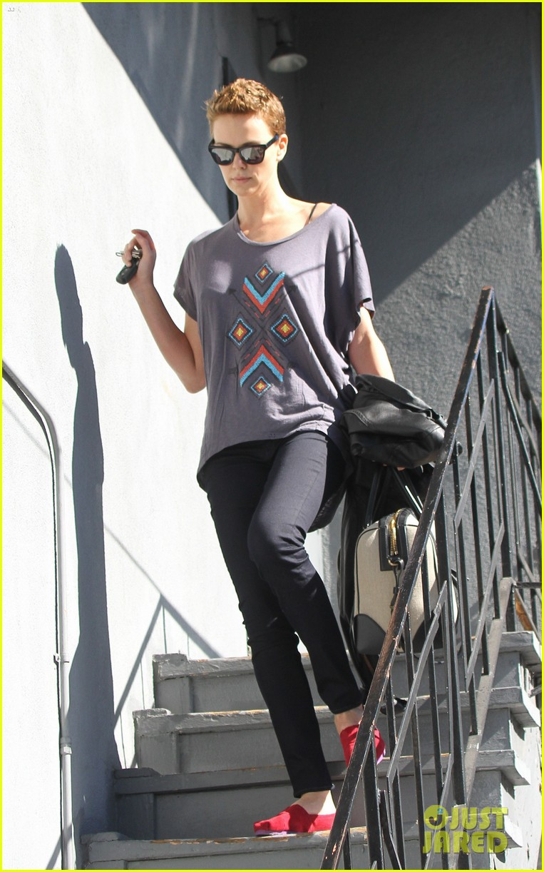 charlize theron fauxhawk hairstyle at the dance studio 122802104