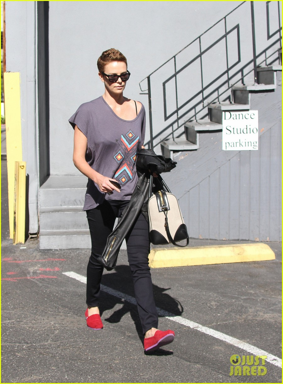 charlize theron fauxhawk hairstyle at the dance studio 14