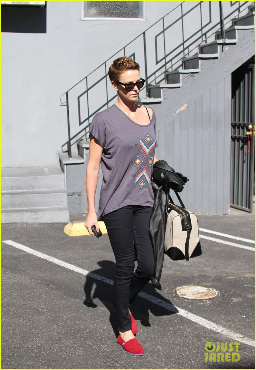 charlize theron fauxhawk hairstyle at the dance studio 15