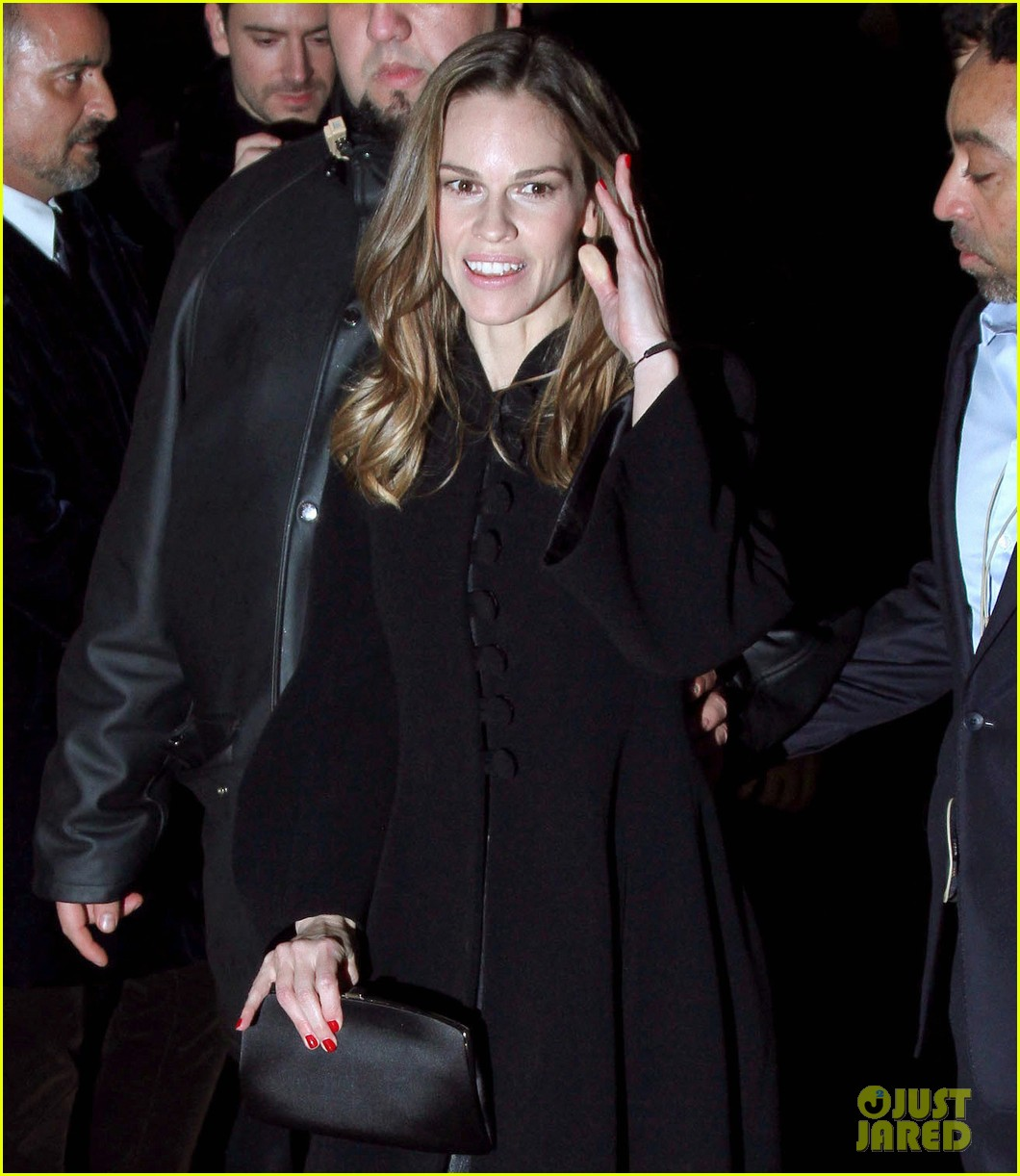 uma thurman hilary swank giorgio armani paris fashion show 012797275