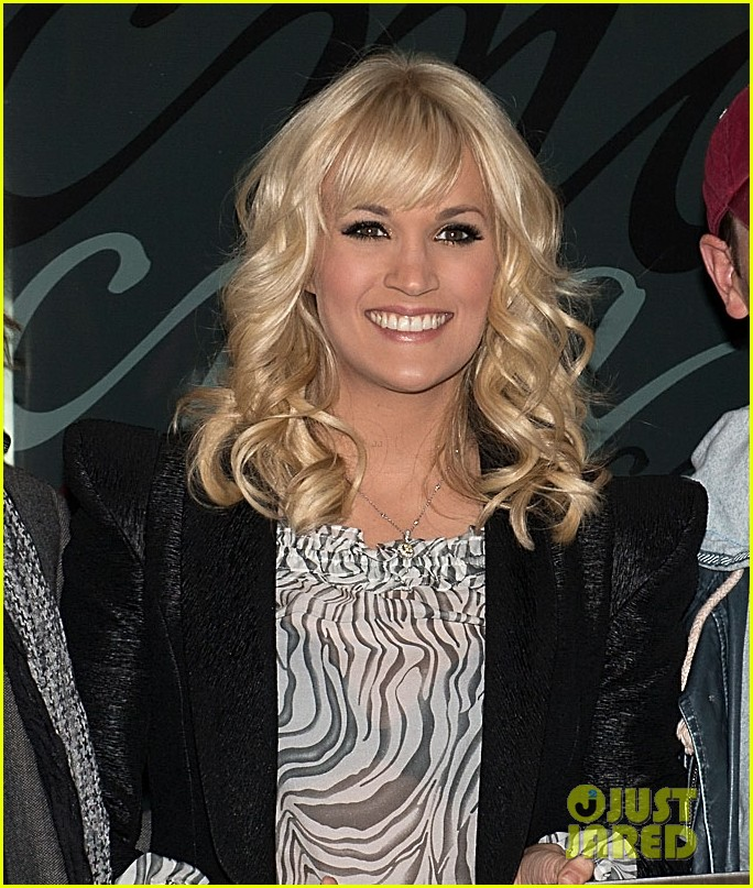 carrie underwood grammy awards 2013 performer 04