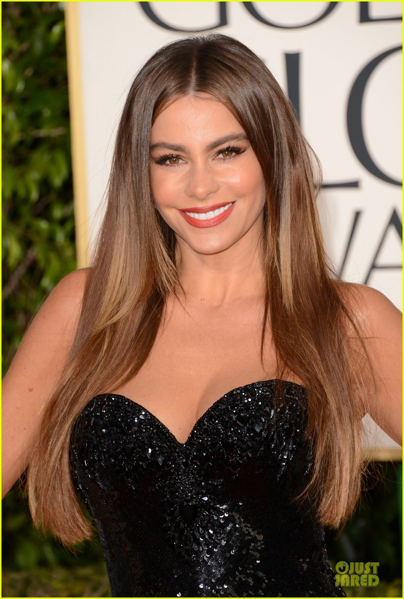 sofia vergara golden globes 2013 red carpet 02