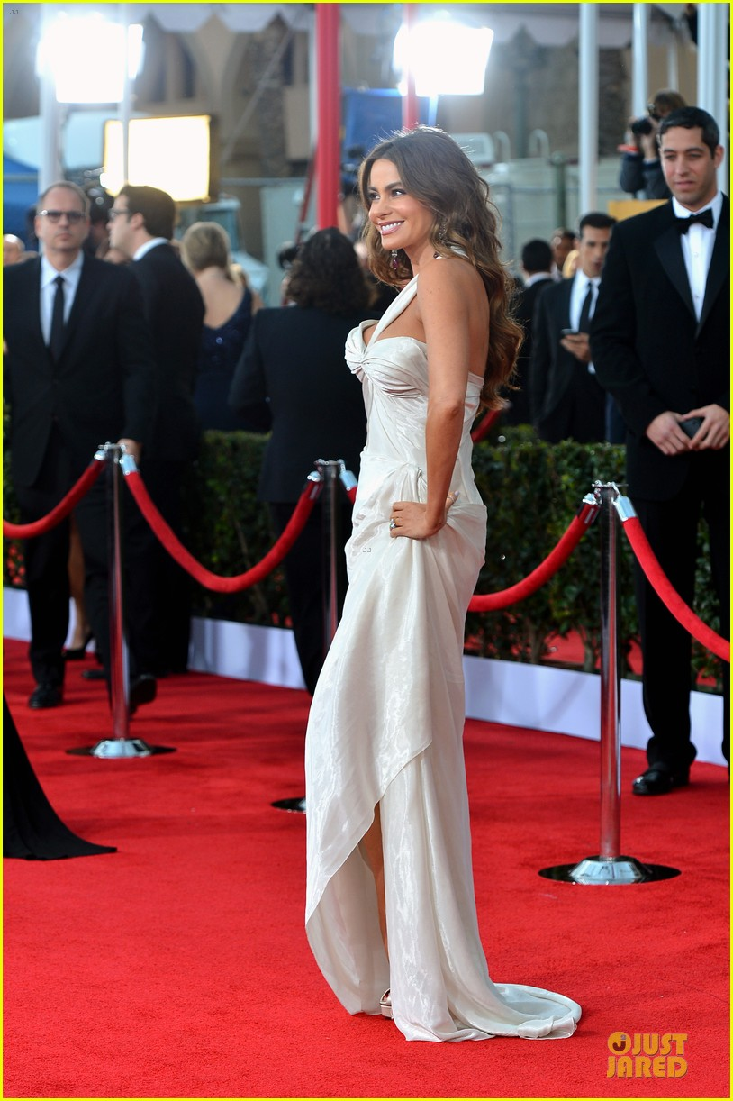 sofia vergara nick loeb sag awards 2013 red carpet 012799839