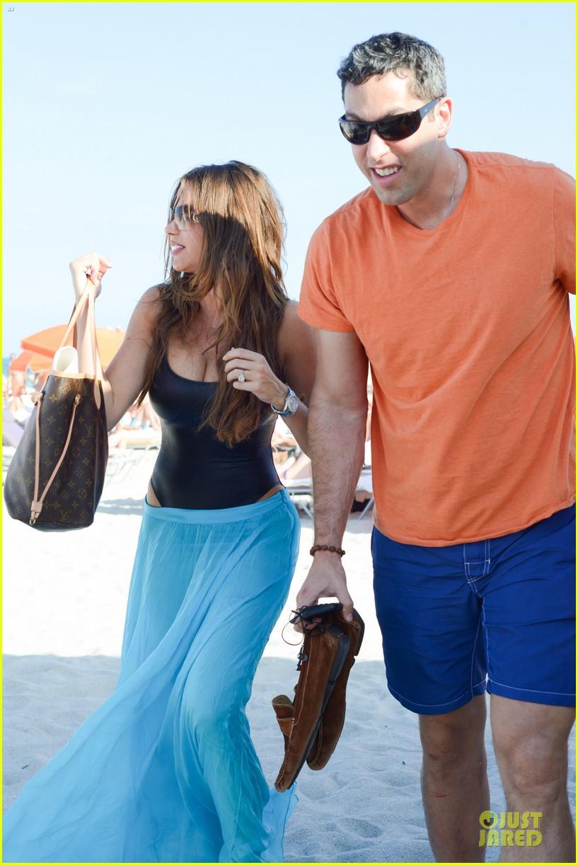 sofia vergara miami beach with shirtless nick loeb 032784163