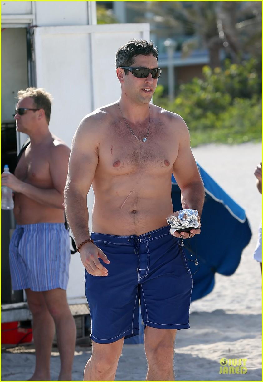 sofia vergara miami beach with shirtless nick loeb 042784164
