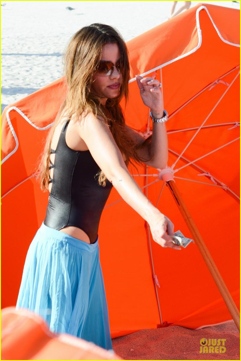 sofia vergara miami beach with shirtless nick loeb 112784171