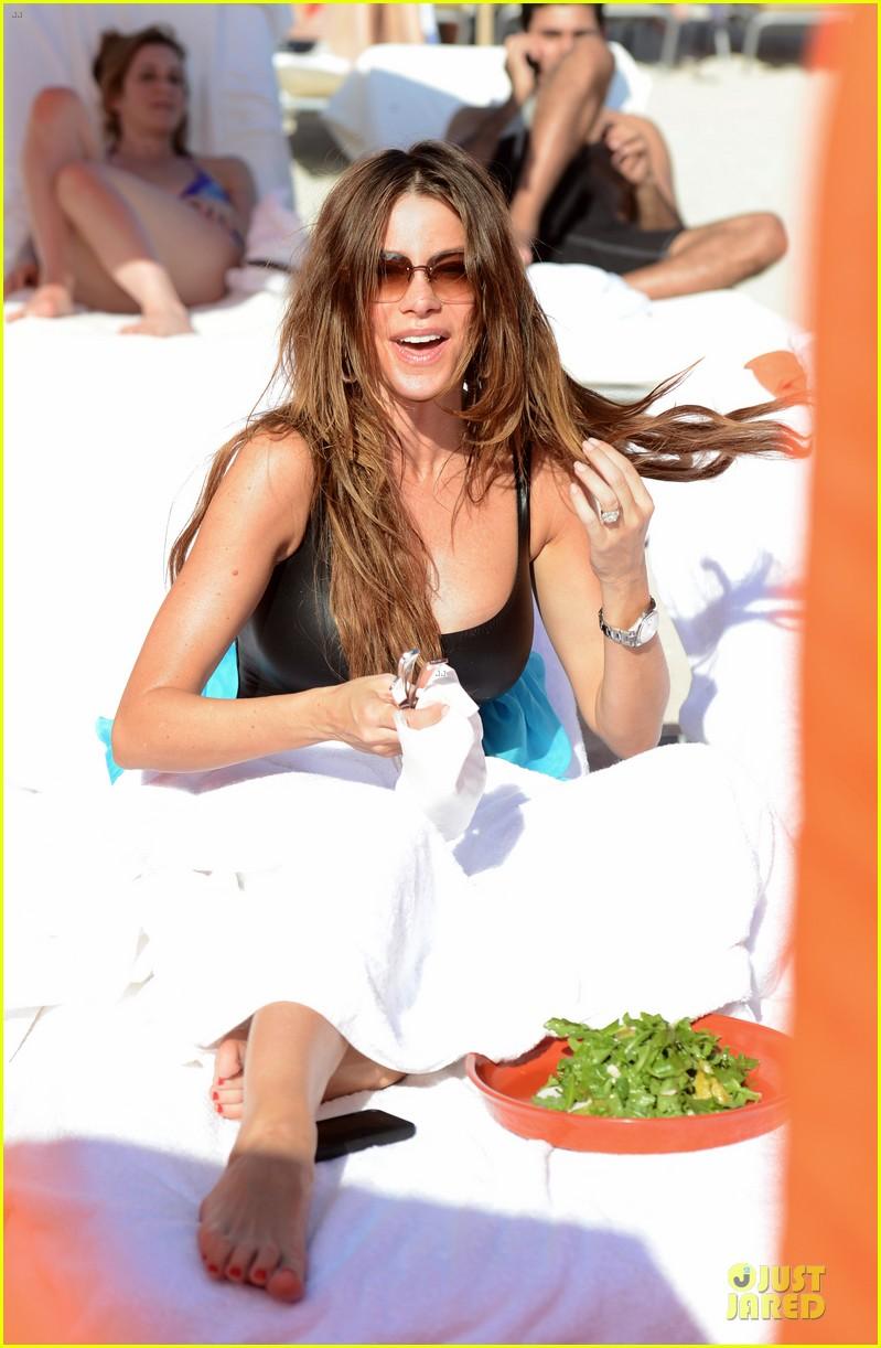 sofia vergara miami beach with shirtless nick loeb 162784176
