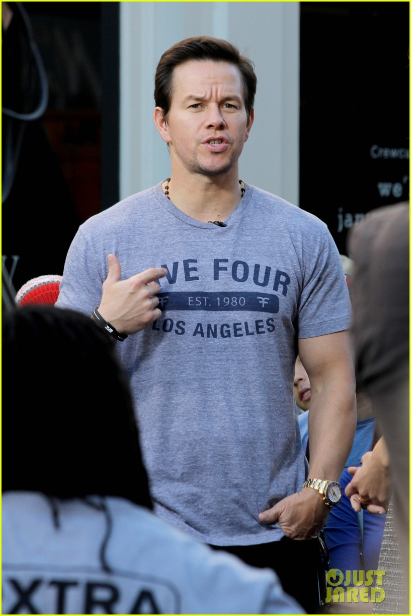 mark wahlberg ellen extra appearances 11