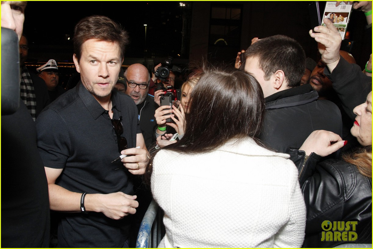 mark wahlberg natalie martinez broken city miami premiere 14