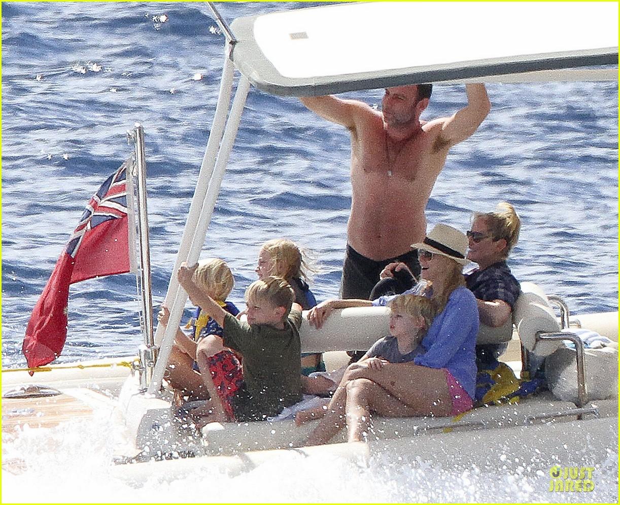 naomi watts boat ride with shirtless liev schreiber 072784024